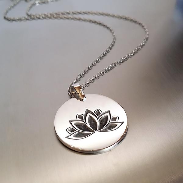 Lotus Çiçeği Gümüş Kolye